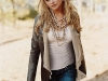 miranda_lambert_walking