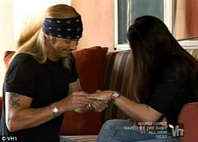 Bret Michaels Engaged with Girlfriends Kristi Gibson (Video)